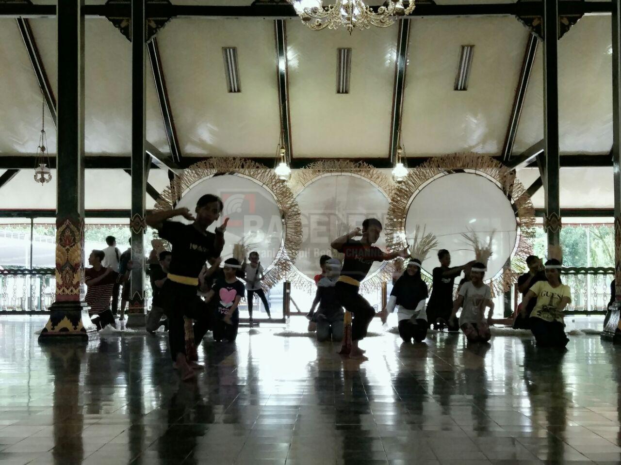 Puluhan Seniman Gelar Gladi Bersih Jumenengan RAA Tjokronegoro I