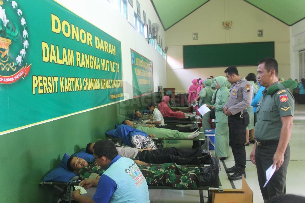 235 Kantong Darah Dari Persit Untuk PMI