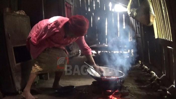 Miris Nenek Renta Hidup Sebatangkara di Rumah Reyot