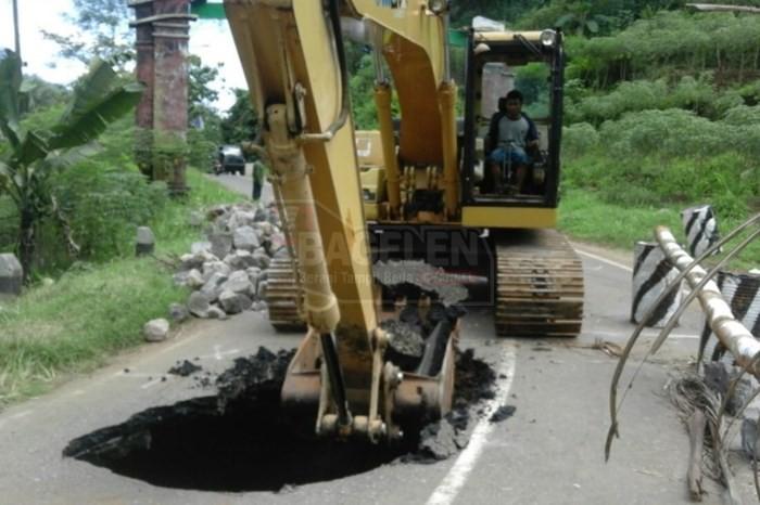 Perbaikan Jalan Berlubang Bruno Butuh Waktu 2 Minggu