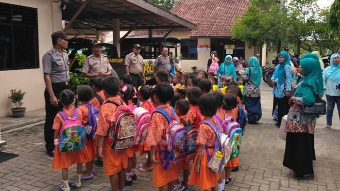 Polsek Banyuurip Disambangi Anak-anak TK Tunas Karya