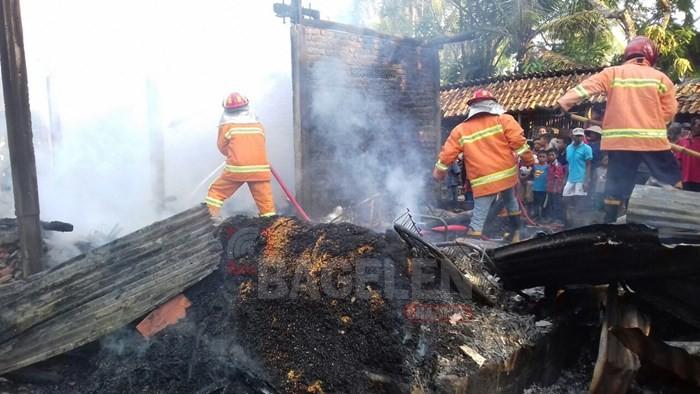 Lupa Matikan Tungku, Rumah Habis Terbakar