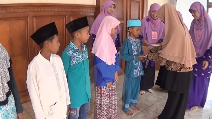 PD Salimah Purworejo Berikan Santunan Anak Yatim dan Dhuafa