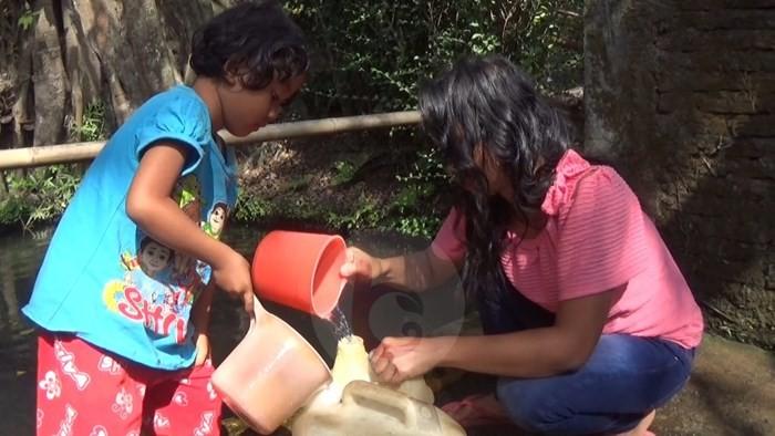 Sumur Mulai Kering, Warga Kota Manfaatkan Belik
