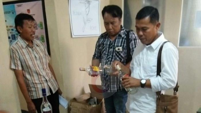 Polres Purworejo Selidiki Penemuan Botol Miras Import di Kebun Tebu