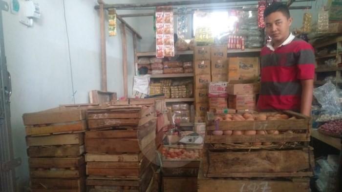Harga Telor Meroket, Pedagang Sepi Pembeli